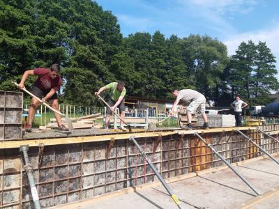 Foto zur Meldung: Renovierungsarbeiten des Freizeitklubs im Schwimmbad