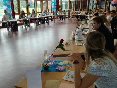 Foto zur Meldung: Verabschiedung der Abschlussklassen an OBS Jade