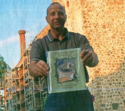 Vorschaubild zur Meldung: Freyensteiner hat Storchenbildband herausgegeben