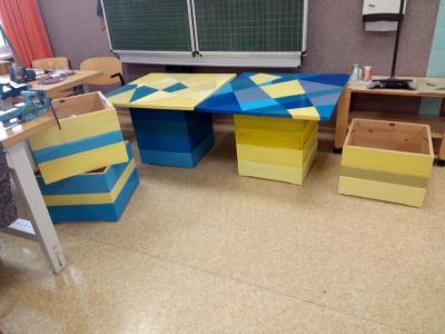 Vorschaubild zur Meldung: Die nächsten schönen Tische für unsere Schule