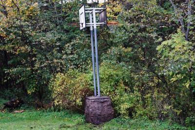 Foto zur Meldung: Wie steht's um den Basketballkorb auf dem Bolzplatz?