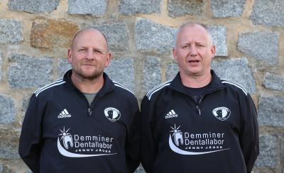 Jens Taubenheim ( links ) und Henry Grieger ( rechts ) blicken optimistische auf den Saisonstart aller Mannschaften des Demminer SV 91