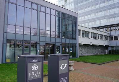 Foto zur Meldung: Kfz-Zulassungsstelle Bad Segeberg – Parkplatz gesperrt – Ersatz vorhanden