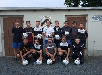 Foto zur Meldung: Neue Trainingsbälle für die Großfeldmannschaften