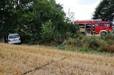 Foto zur Meldung: Das war knapp: Zwei Verletzte bei Verkehrsunfall – Feuerwehr Schmalensee sicherte Unfallstelle