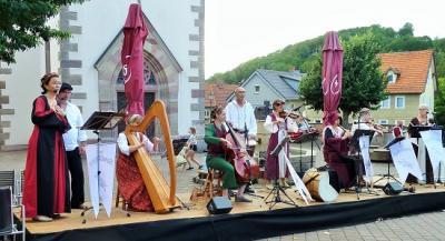 Vorschaubild zur Meldung: Mittelalterliches Konzert auf dem Marktplatz