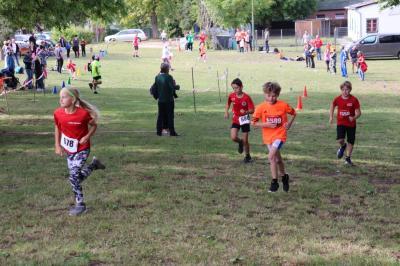 Läufer haben Spaß am gemeinsamen Wettkampf