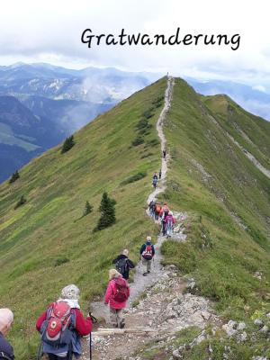 Vom Fellhorn kommend kullert man links ins Kleinwalsertal und rechts Richtung Oberstdorf!
