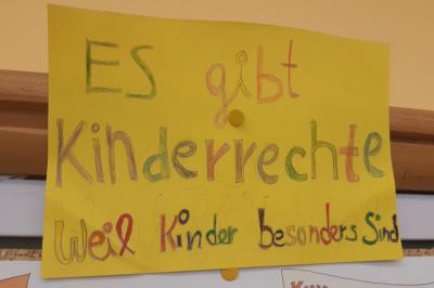 Foto zur Meldung: Klasse 4 AA: Kinderrechte