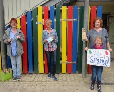 Frau Gabriele Schacht(ev. Kita Sonnenhügel), Frau Monika Kripahle, Frau Martina Lepper (Kita Knüllwichtel) und Emma Hammer