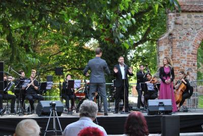 Vorschaubild zur Meldung: Ope(r)nAir in Freyenstein - Konzert im Burghof