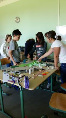 Vorschaubild zur Meldung: Mitarbeit bei Schulhofgestaltung