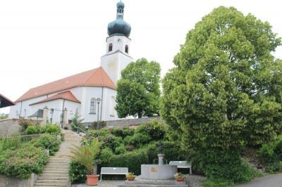 Foto zur Meldung: Erntedank und 20 Jahre Johannesbrunnen