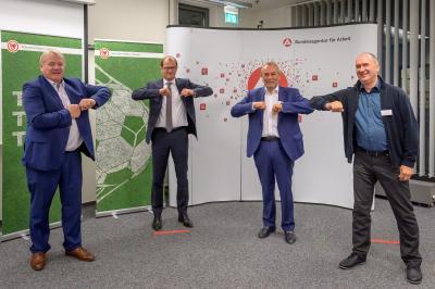 von links: Bernd Becking (Chef der Arbeitsagentur Berlin-Brandenburg), Stefan Kapferer (CEO 50Hertz), Jörg Wirtgen (BFV-Vize), Gerd Thomas (Inter-Vorsitzender)