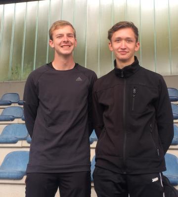 Matthias und Niklas nach der bestandenen Prüfung