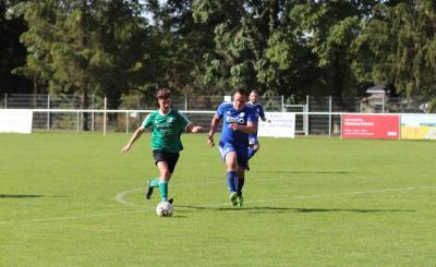 Joshua Maik Kubeile ( grünes Trikot ) zeigte in den letzten Spielen des DSV starke Leistungen