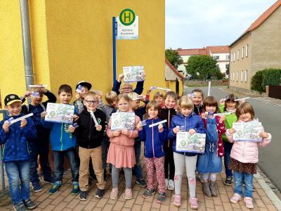 Vorschaubild zur Meldung: Für unsere Erstklässler hieß es auch in diesem Jahr:  Auf zur Busschule!