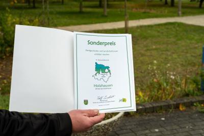 """Vorschaubild zur Meldung: Holzhausen gewinnt im Wettbewerb """"Unser Dorf hat Zukunft"""" Sonderpreis"""