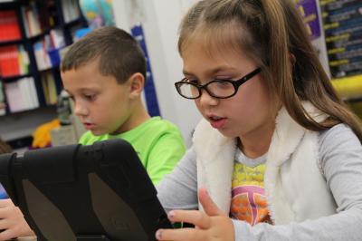 Foto zu Meldung: 53 digitale Endgeräte sind in den Grundschulen der Stadt Möckern angekommen