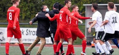 WAZ vom 20.10.2020 zum Spiel SC Velbert 2. gegen SV Union 2.