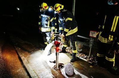 Foto zur Meldung: Feuerwehr überprüfte die Hydranten im Dorf