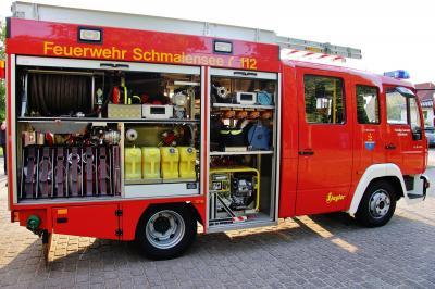 Foto zur Meldung: Uniformiert und maskiert: Die Feuerwehr sammelt Passiven-Beiträge – auch Überweisung möglich