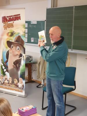 Herr Bombelmann zu Besuch in der Grundschule Hollstadt - Wollbach