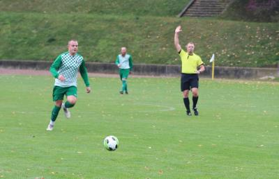 Mit zwei Treffern schoss Luca Behrendt ( grün-weiss ) den Demminer SV 91 in Groß Plasten zum Auswärtssieg