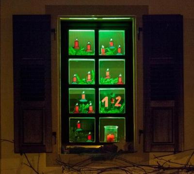Zeit der Adventsfenster