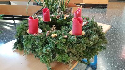 Foto zur Meldung: Adventskranz DIY von der Klasse 4a