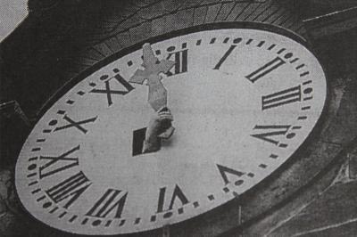 Foto zur Meldung: Turmuhr von Geschwenda wird 80