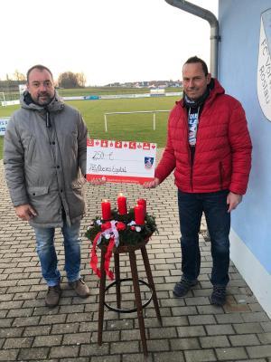 Vorschaubild zur Meldung: (Weihnachts-) Spende vom FC Bayern Fanclub Röslau