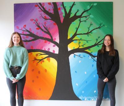 """Vorschaubild zur Meldung: """"Unser Baum"""" im Eingangsbereich der EKS"""