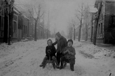 Winterfreuden für die Jüngsten früher in der Hoschestraße