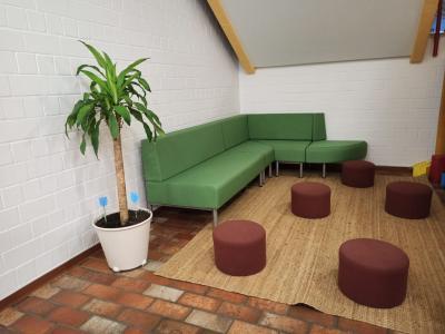 Neue Möbel für das Schulhaus