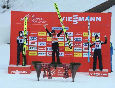 Die Österreicherin Marita Kramer gewinnt Weltcup-Premiere von Titisee-Neustadt - Foto: Joachim Hahne / johapress