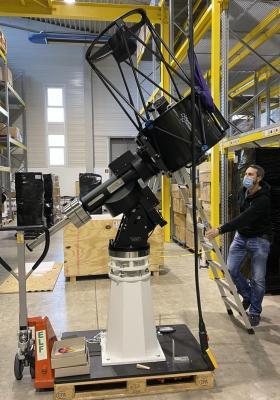 Unser neues Hauptinstrument in der Werkhalle der Firma Baader Planetarium