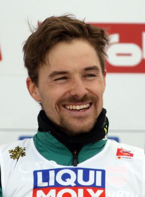 Fabian Rießle darf sich mit Team-Silber über eine weitere Medaille freuen - Foto: Joachim Hahne / johapress
