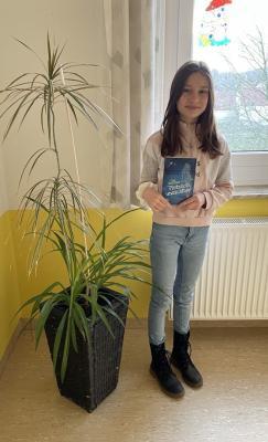 Foto zur Meldung: Siegerin im Vorlesewettbewerb EE aus unserer Schule