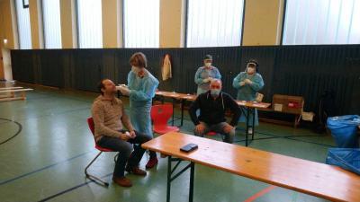 Testung des Schulleiters durch Frau Dr.Bitsch