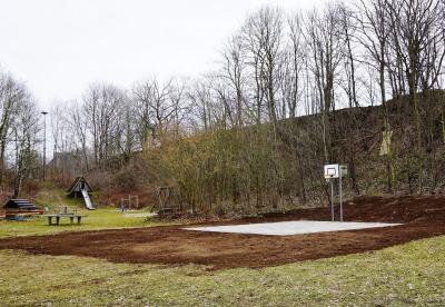 Foto zur Meldung: Kurz gemeldet: Schmalensee hat ein Basketball-Feld - Zur Nutzung freigegeben