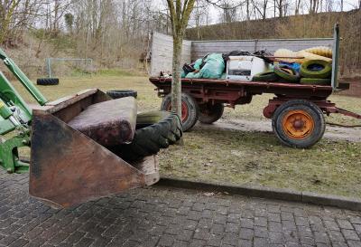 Foto zur Meldung: Glückliche fleißige Müllsammler: Auch der zweite Corona-Dorfputz war ein Erfolg