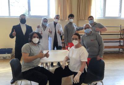 Das mobile Impfteam und alle anderen Helfer vor und hinter den Kulissen ermöglichten dies auf dem Gelände der Aktiven Senioren Leipzig