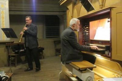 Foto zur Meldung: Orgelandacht mit Klarinette und Saxophon