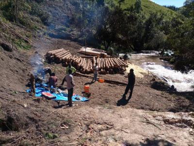 Foto zur Meldung: Wasserkraftwerk Tandala - Die Bauarbeiten laufen schon auf vollen Touren.