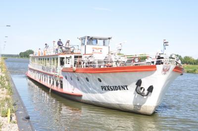 Schiffstouren auf dem Elbe-Havel-Kanal ab Genthin in Richtung Brandenburg am 25. und 26. Juli 2021 mit der Reederei Kaiser