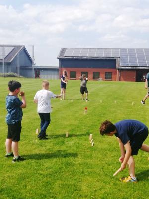 Foto zur Meldung: Gelungener Auftakt: Kinder hatten Spaß am und um den Eventanhänger