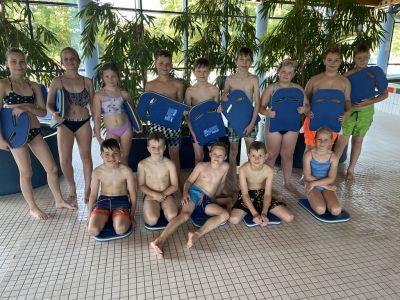 Foto zur Meldung: Schwimmlehrgang der Klasse 3 in Silber