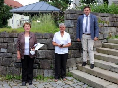 Foto zu Meldung: Bundesverdienstmedaille für Julia Ochsenbauer aus Tresdorf