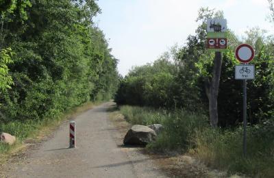 Für eine gezielte Besucherlenkung und zum Schutz der Natur sind die Wege in der Spreeaue neu ausgeschildert worden, einige sind für den Verkehr gesperrt. (Foto: LEAG)
